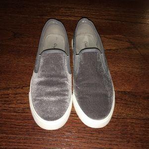 Qupid Gray Velour/Velvet Slip On Shoes, Size 8